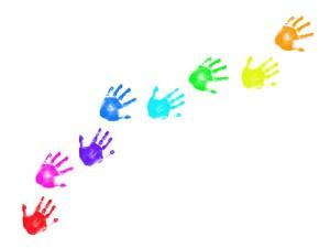 Empreintes de mains et peinture